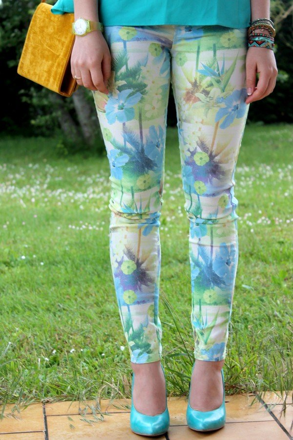 Pantalon jean imprimé tropical