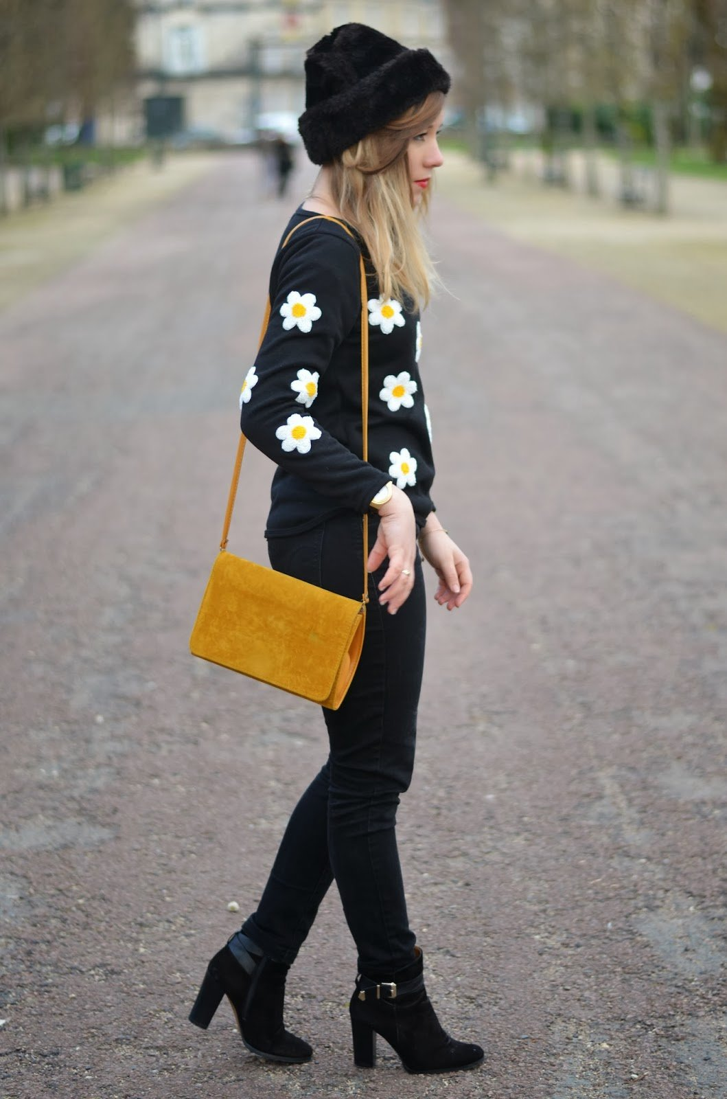 Pull motif fleurs