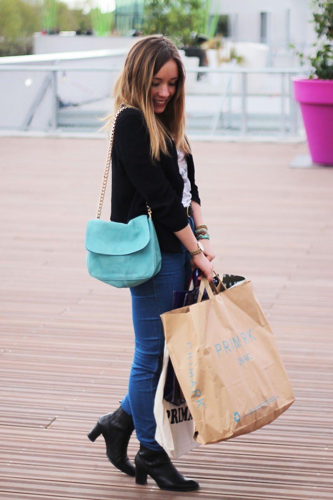 Shopping centre commercial paris
