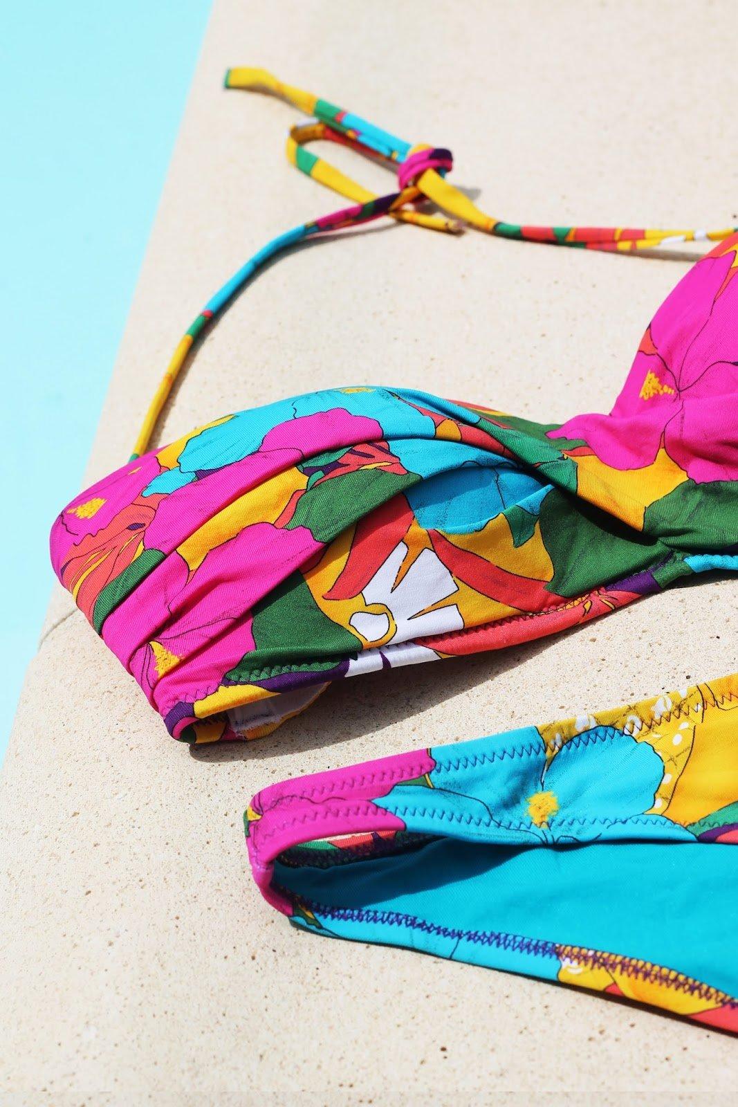 bikini fleurs coloré