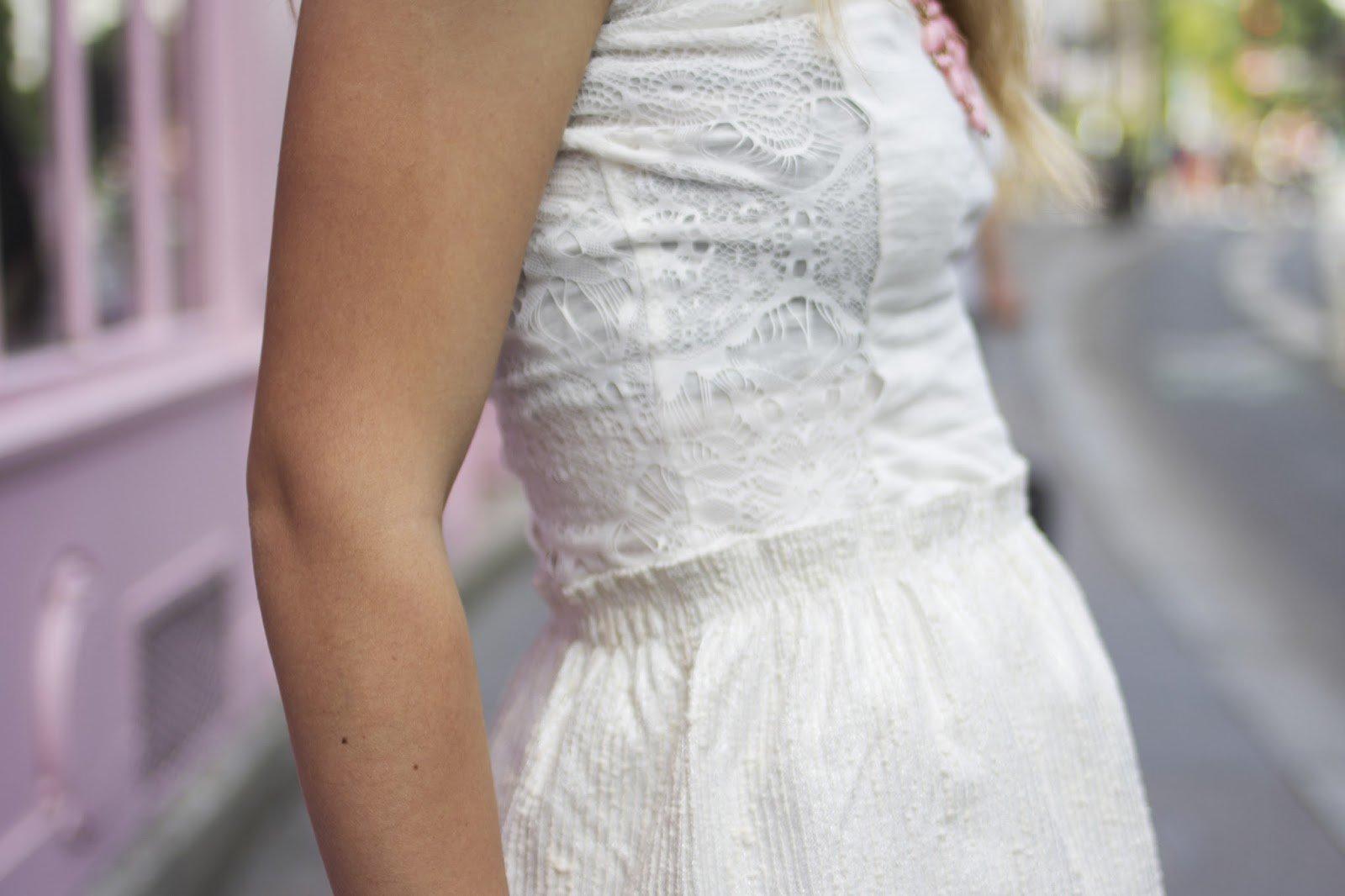 robe blanche bimatière dentelle
