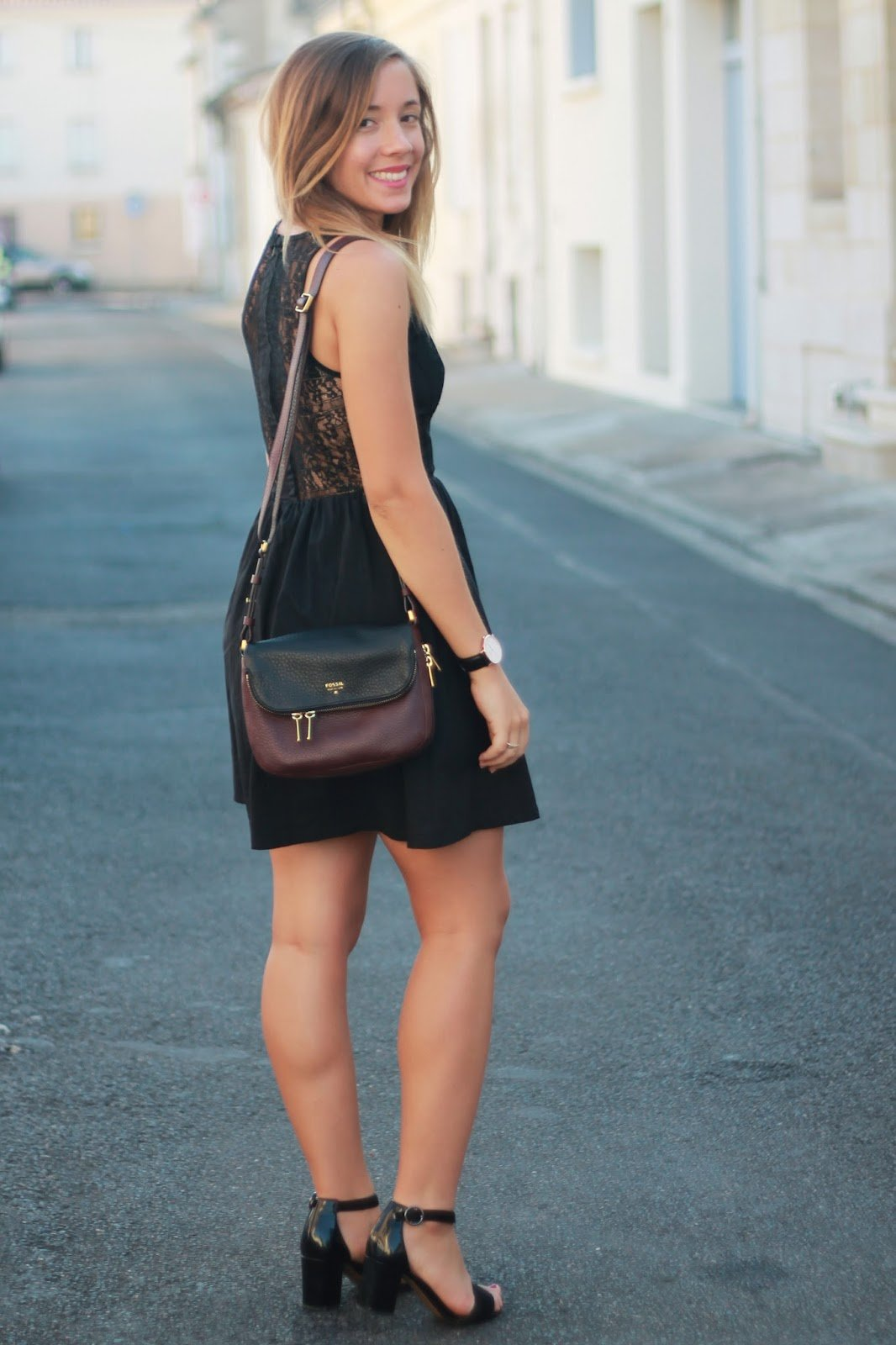 Porter une robe noire