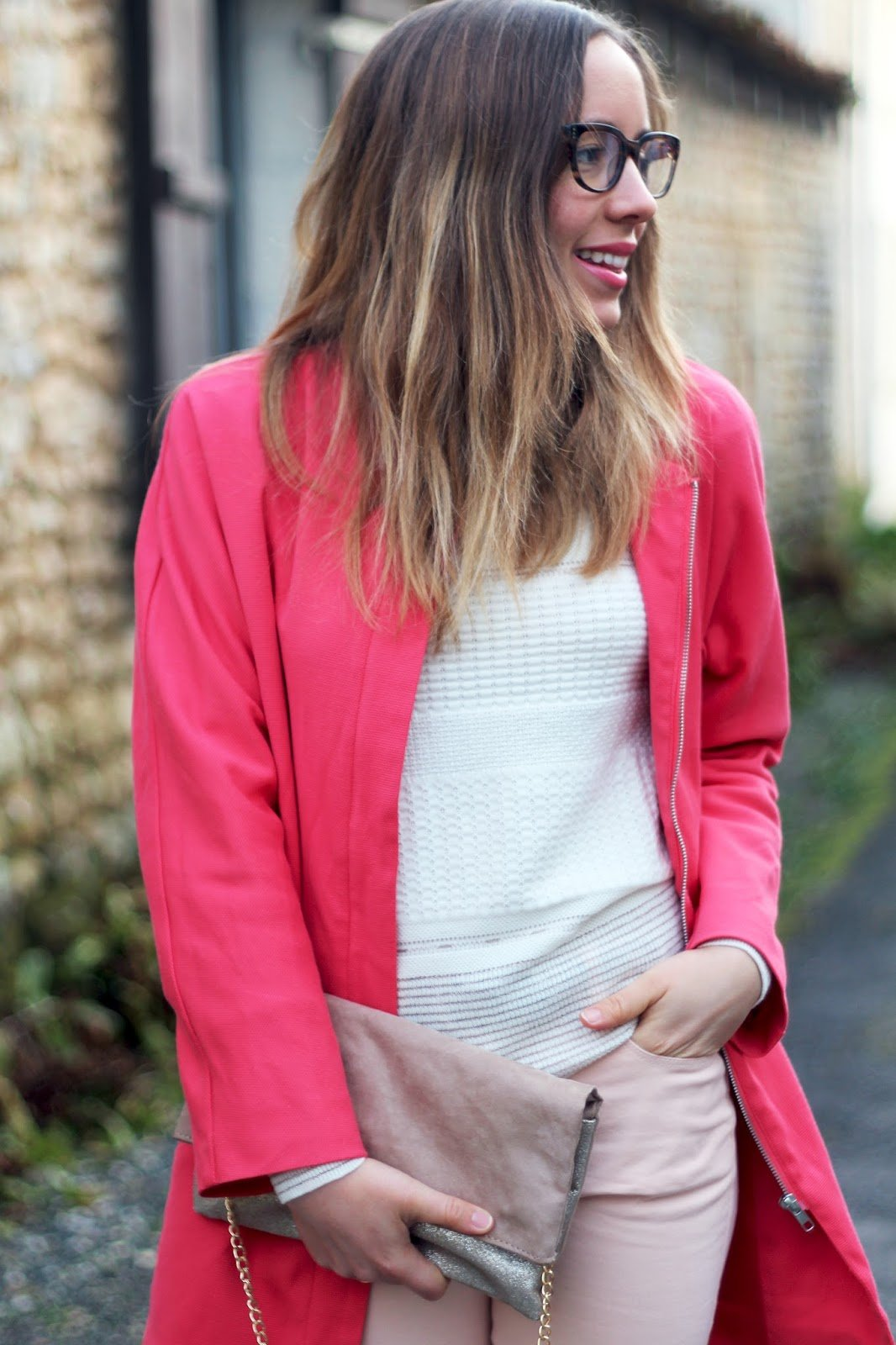 Tenue printemps couleurs corail nude