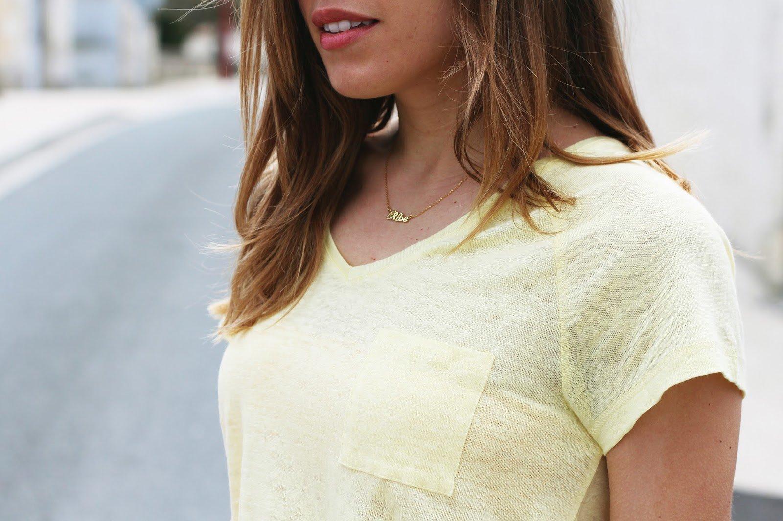 t-shirt jaune en lin