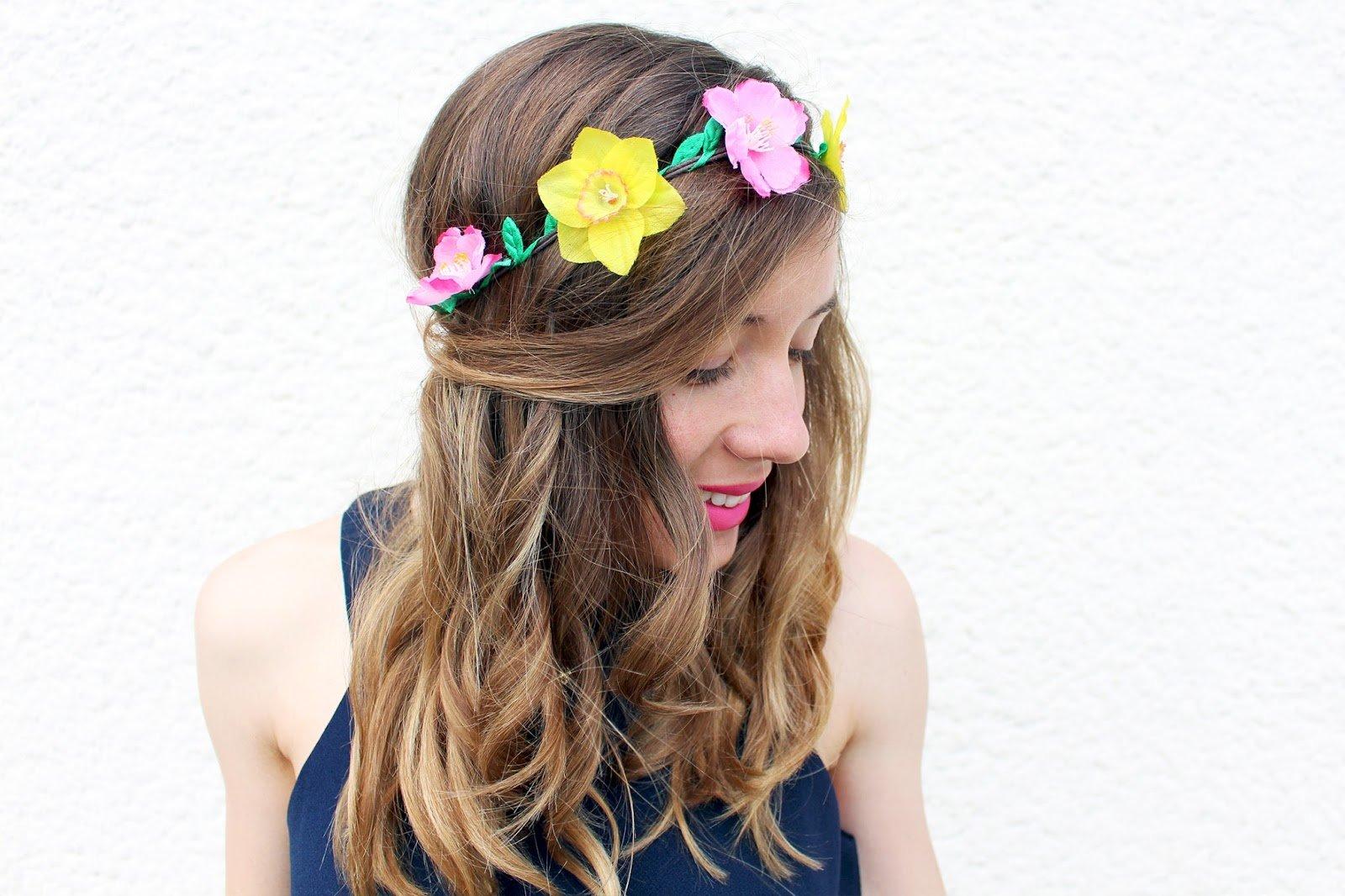 Couronne de fleurs rose et jaune