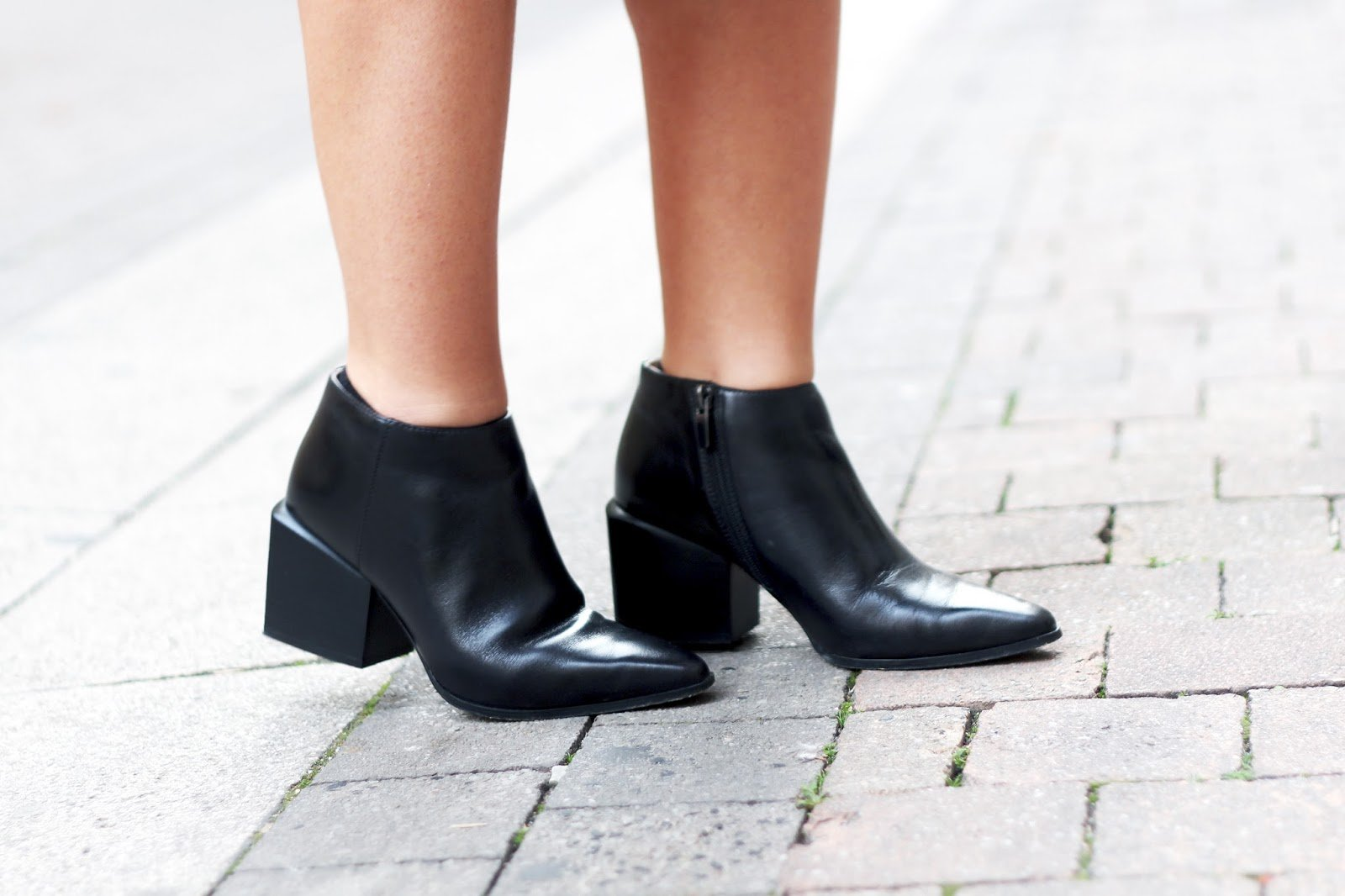 bottines noires bouts pointus Clarks