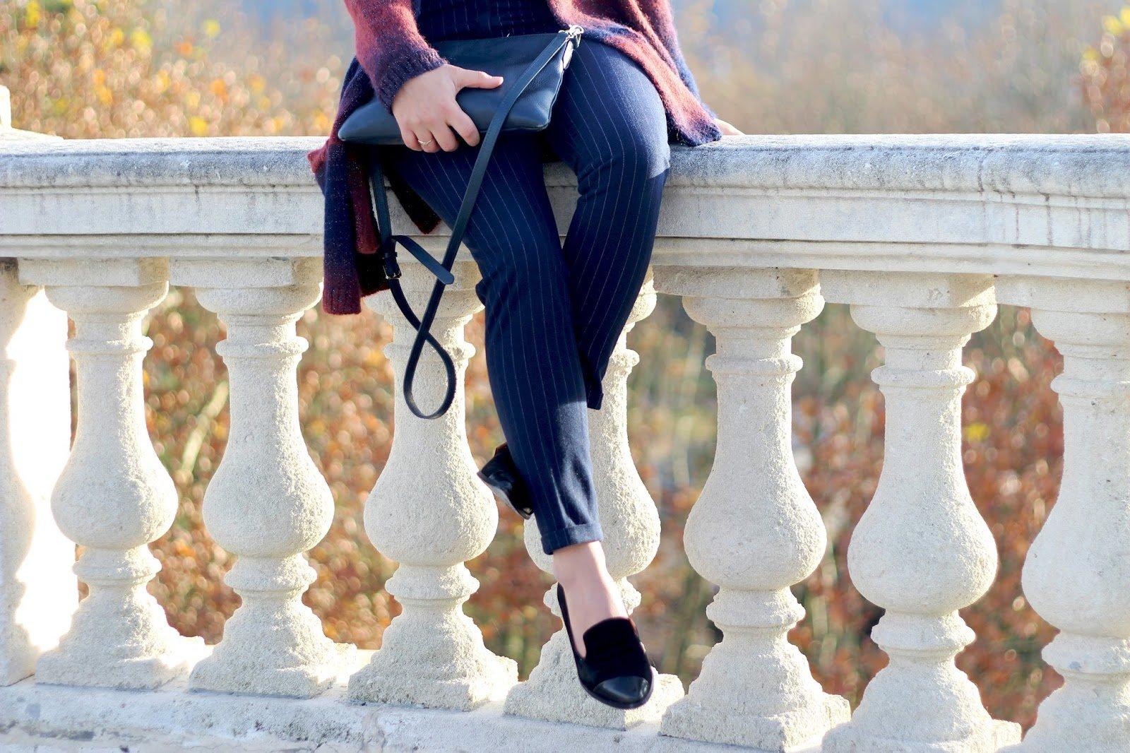 Pantalon pince bleu rayé