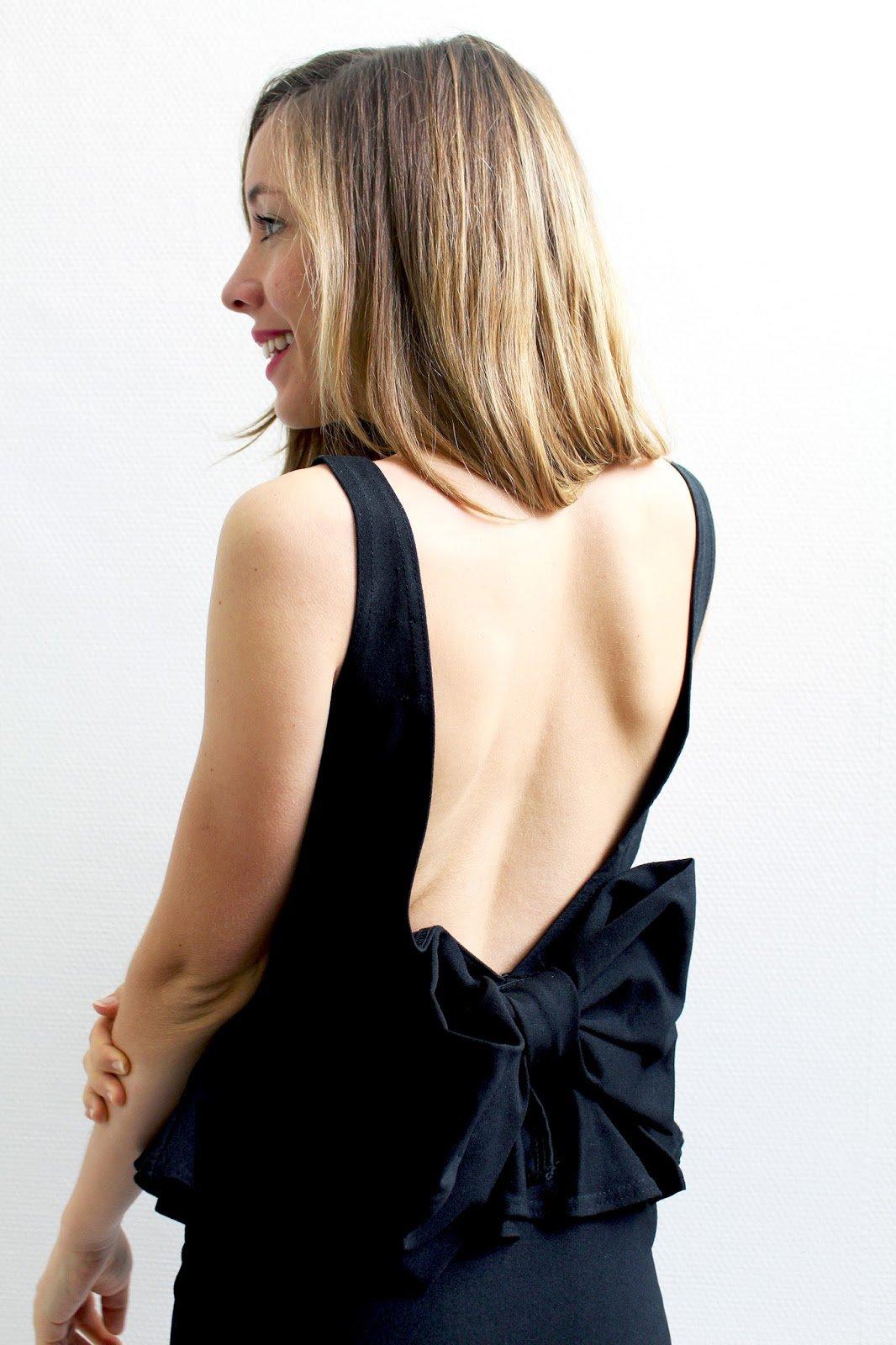 Robe noire dos nu noeud