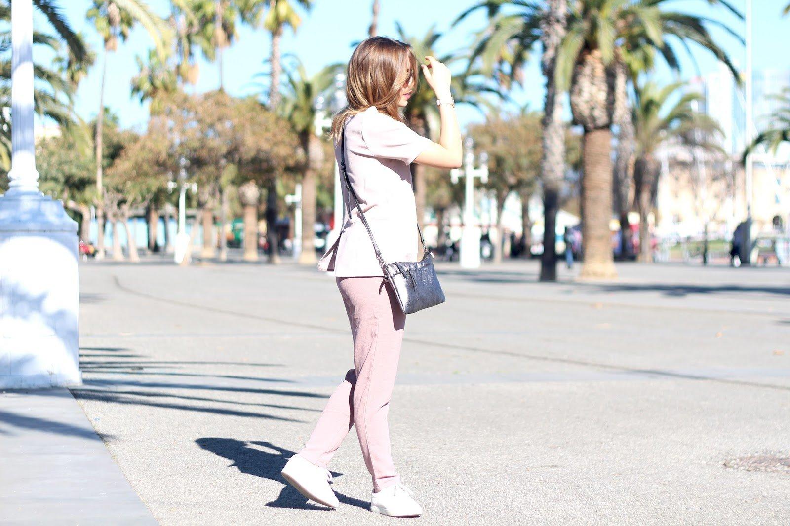 tenue pour marcher touriste