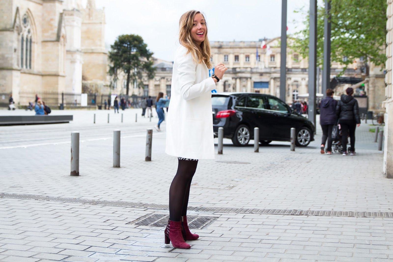 veste longue blanche jupe graphique chic