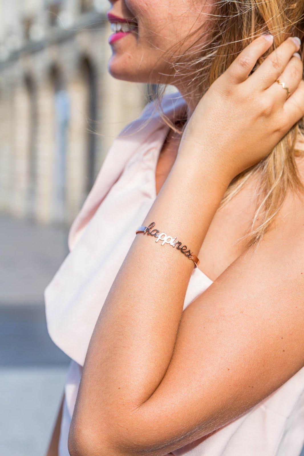 détail bracelet happiness tenue de mariage