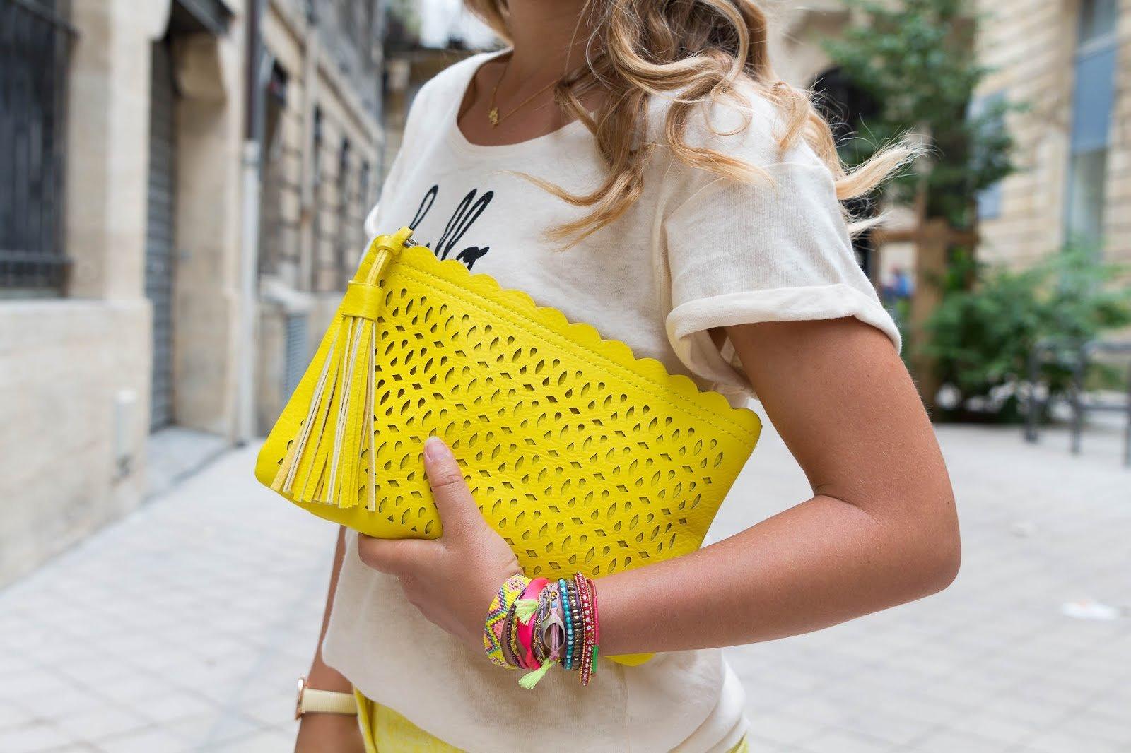 sac pochette jaune