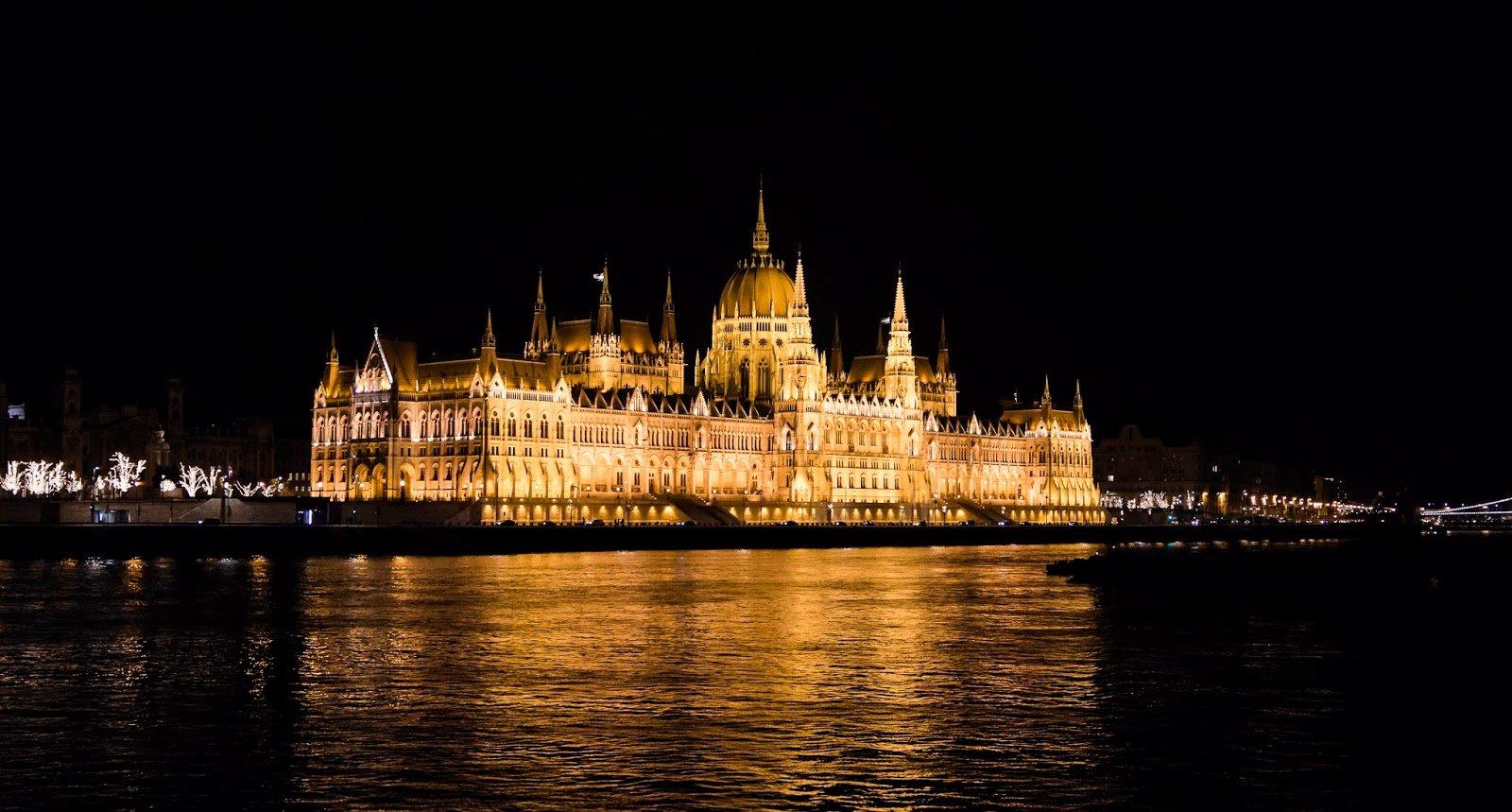 Chateau de Budapest la nuit