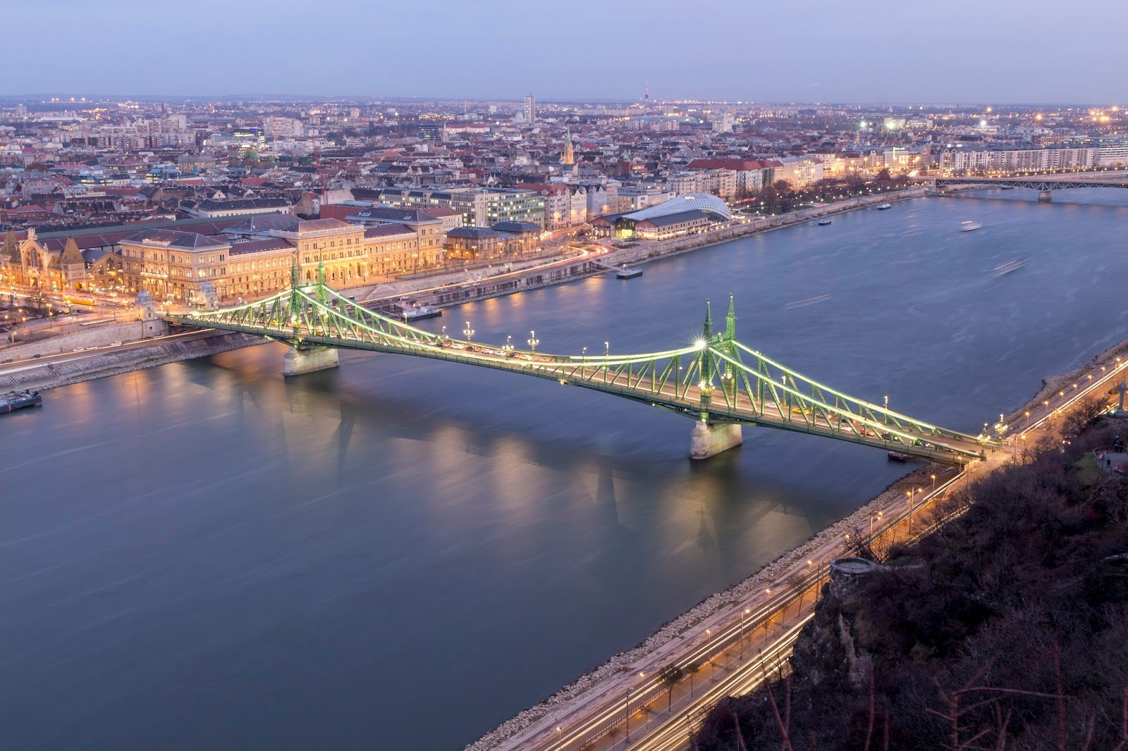 Budapest Danube voyage city guide