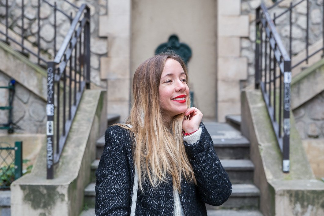 blogueuse souriante