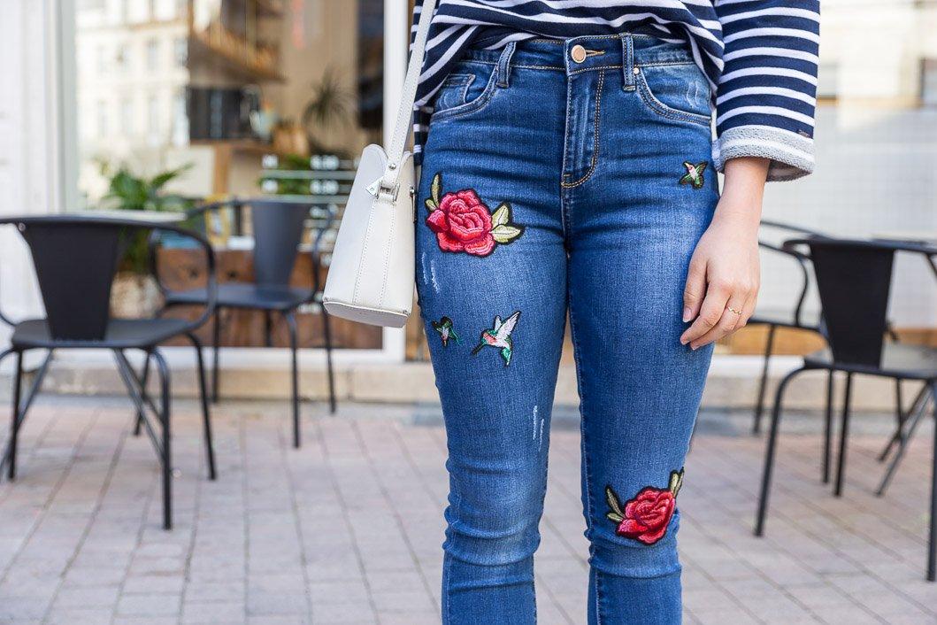 jean broderie patch fleurs