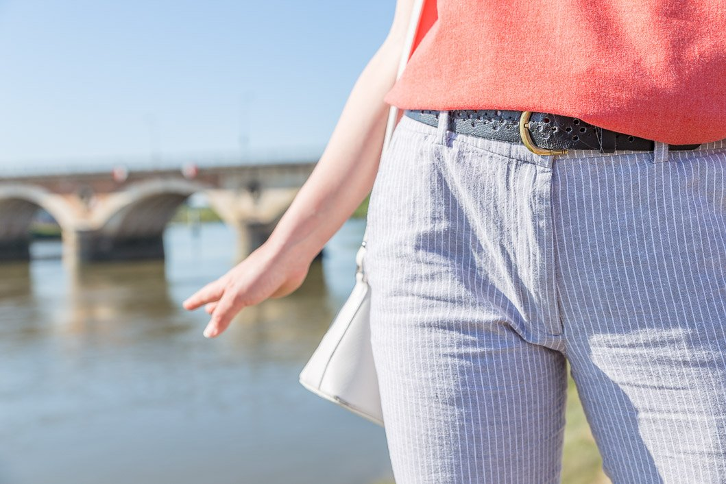 pantalon cigarette rayures bleues