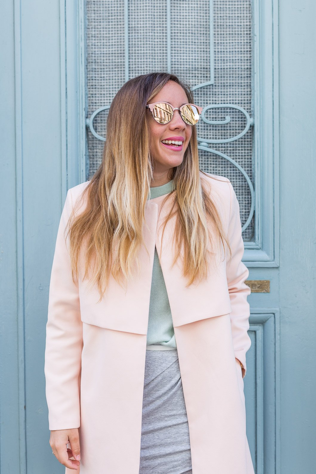 manteau trench rose total look pastel