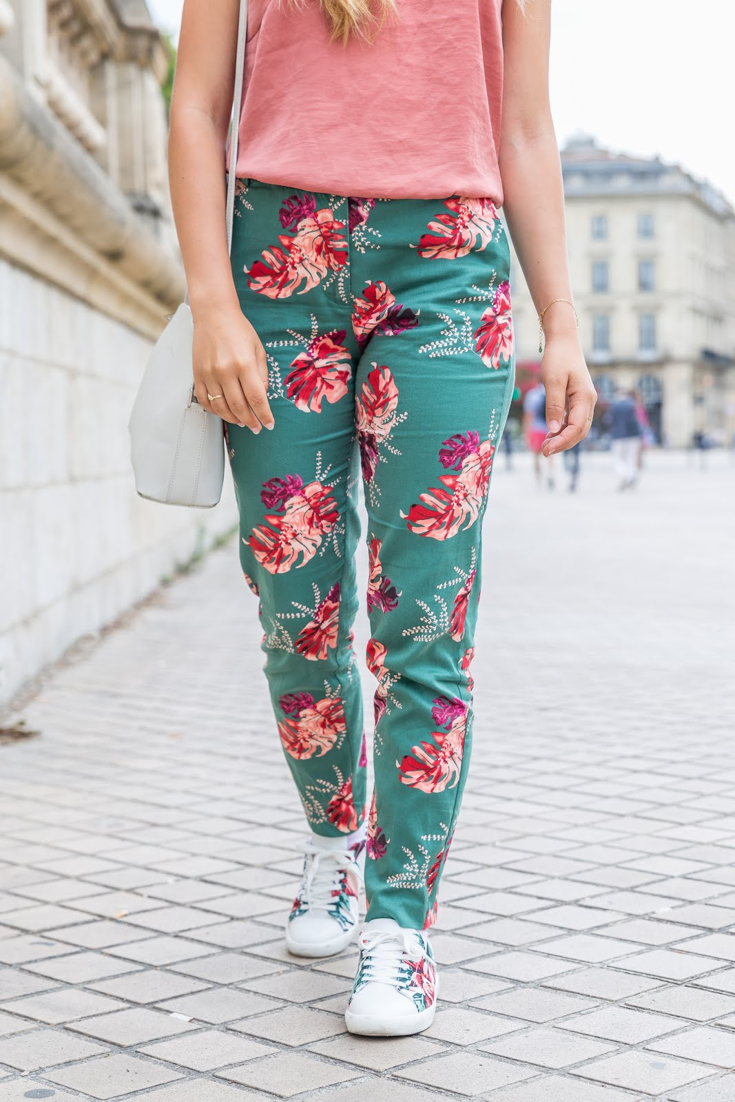 Pantalon à fleurs imprimé tropical en soldes La Redoute
