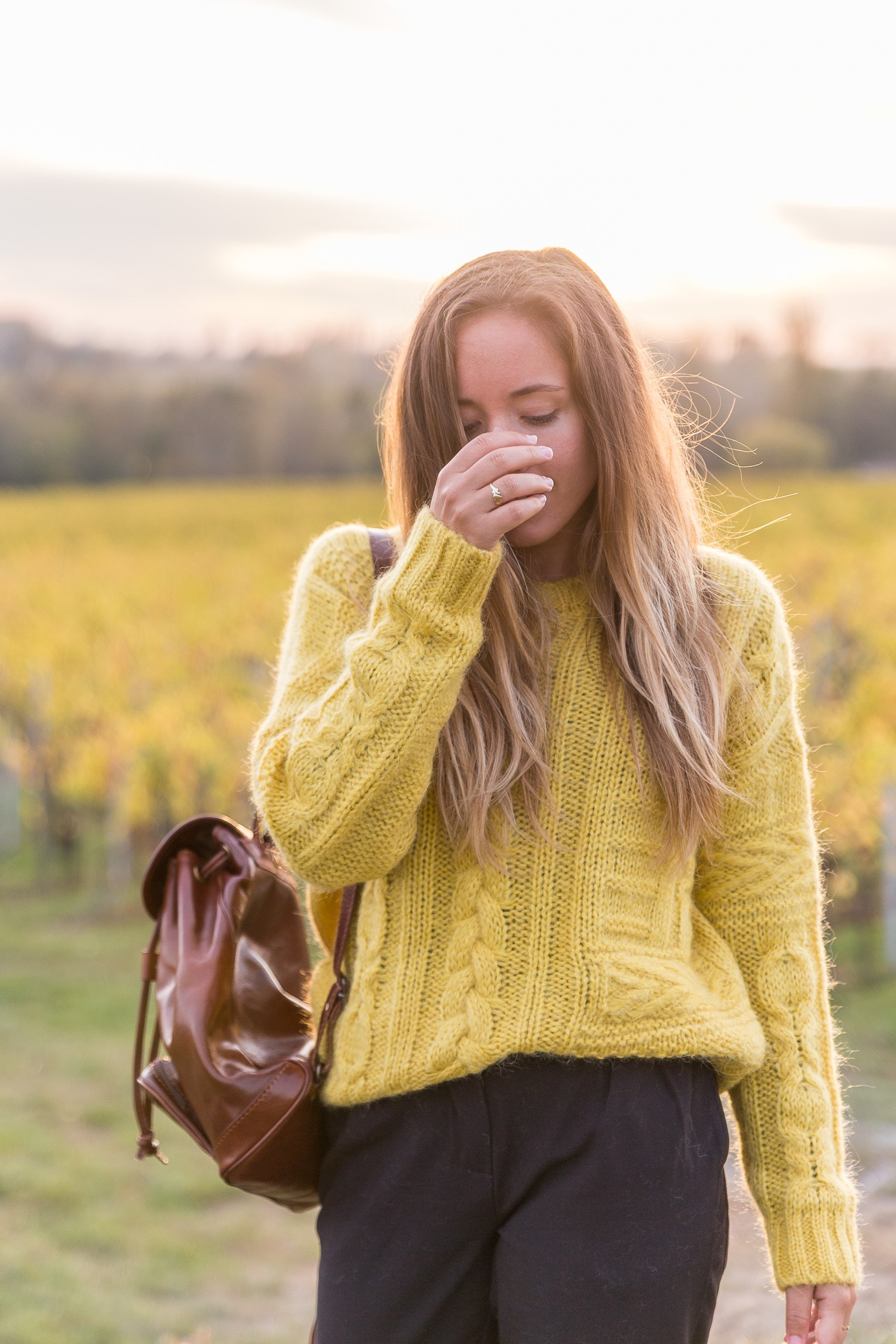 pull jaune torsadé