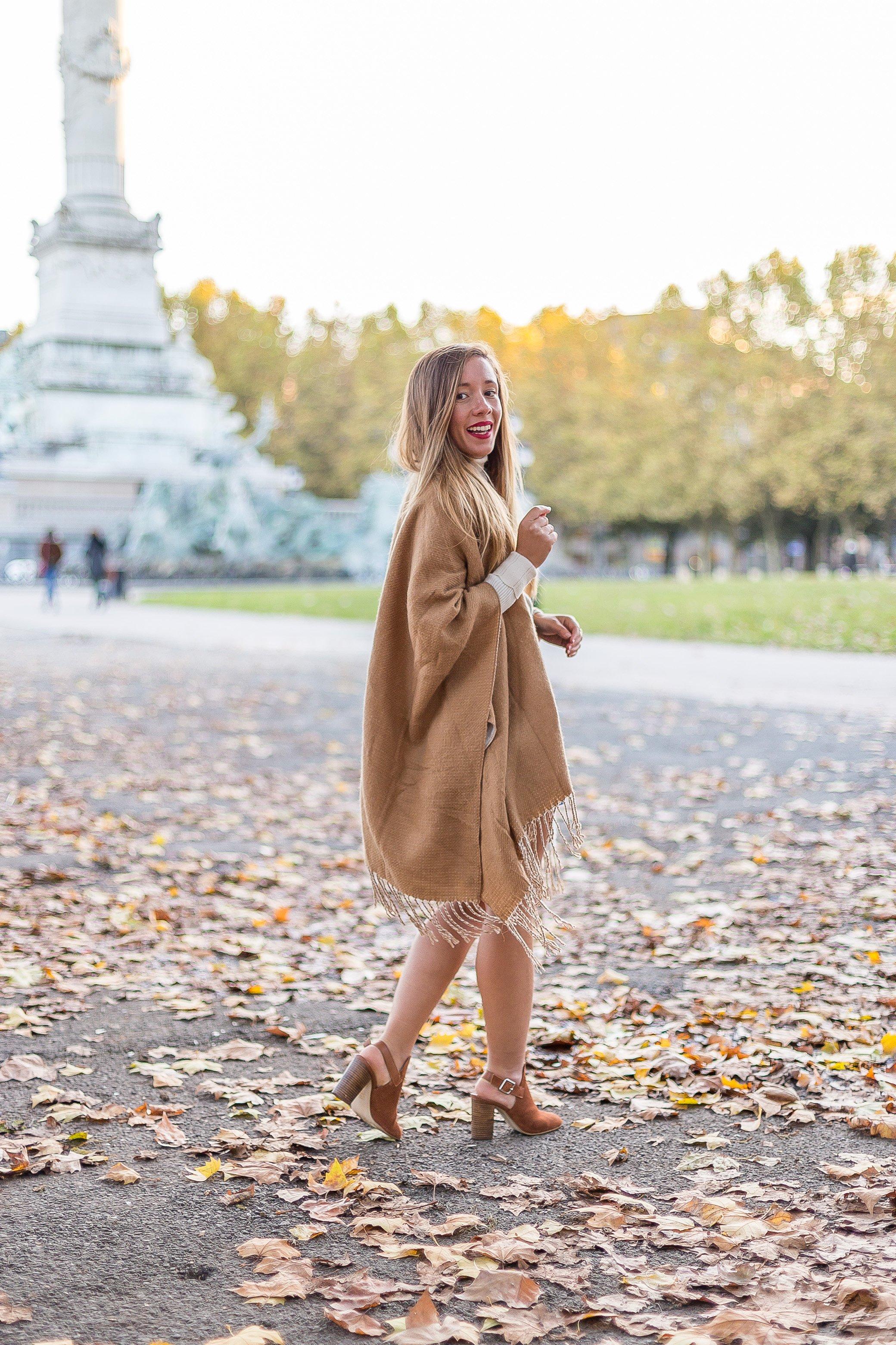 tenue automne poncho camel