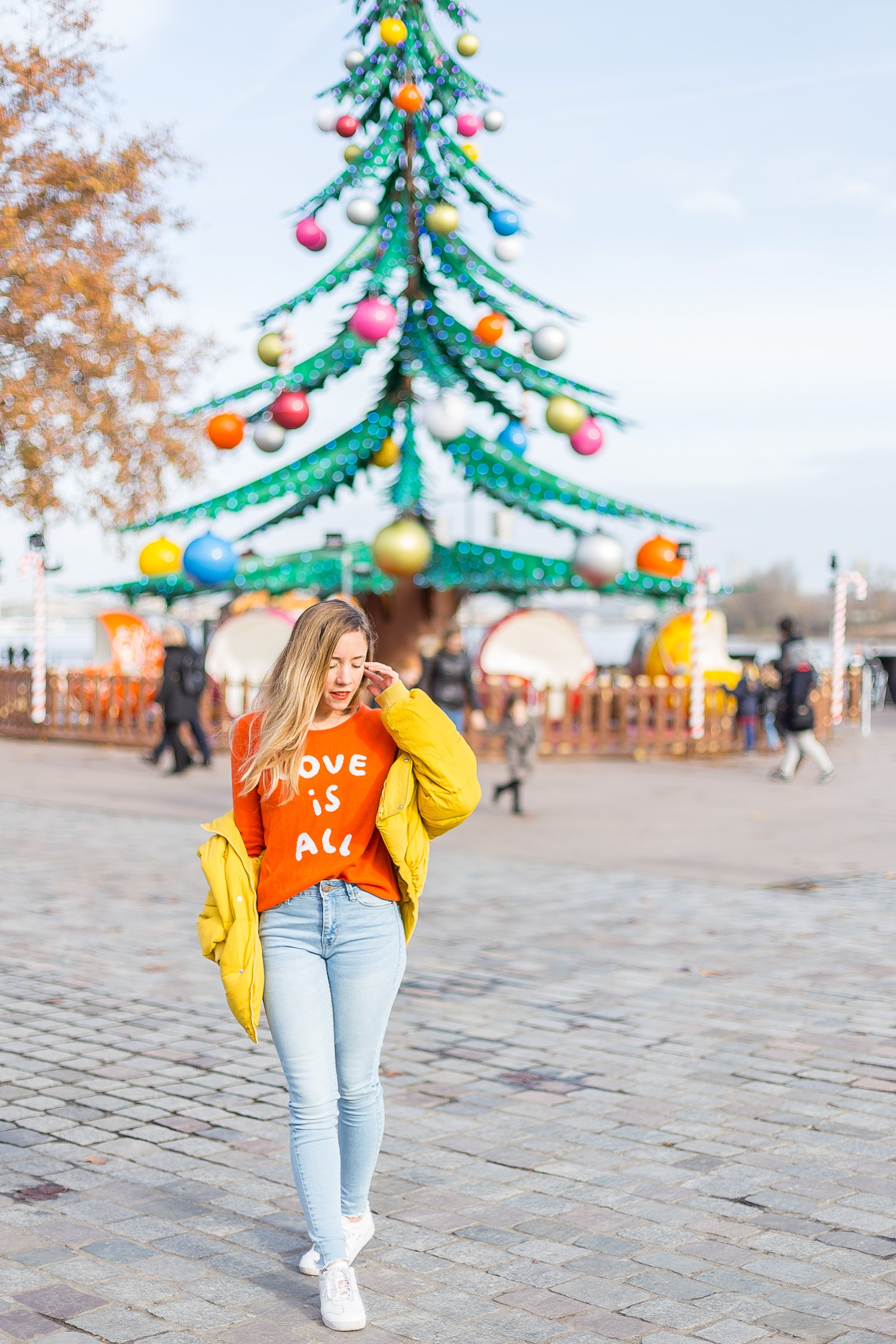 doudoune jaune pull orange
