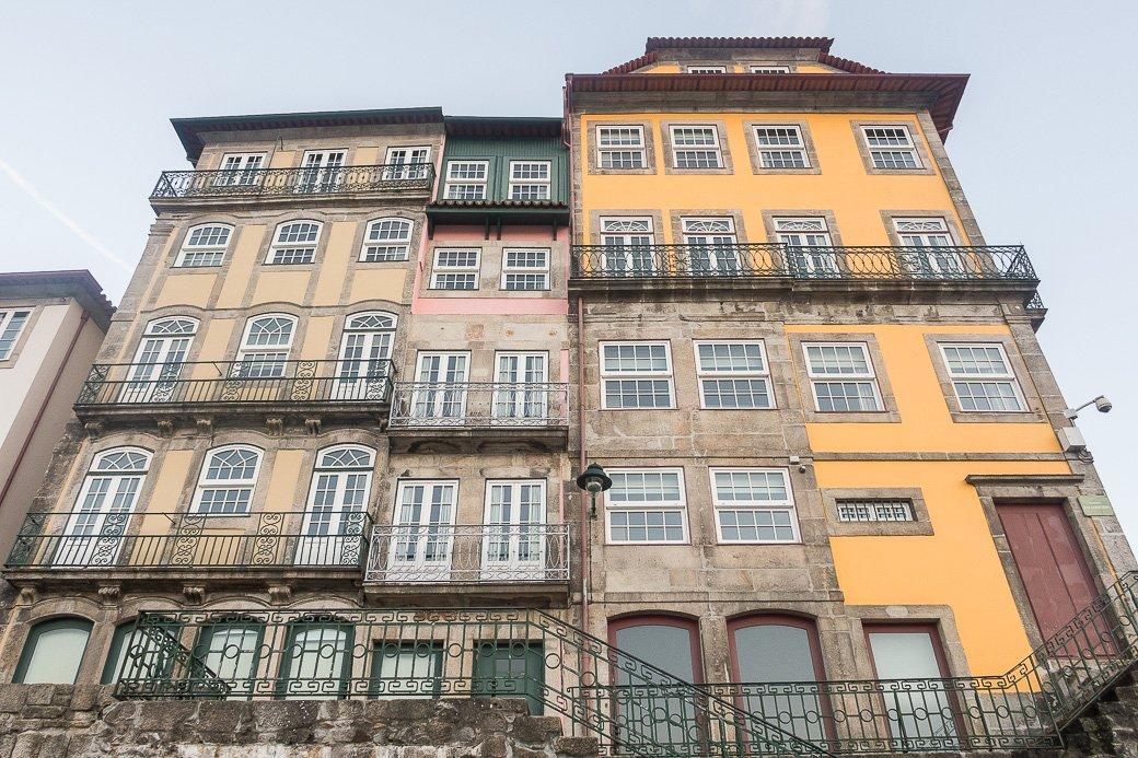 Façades colorées du vieux Porto