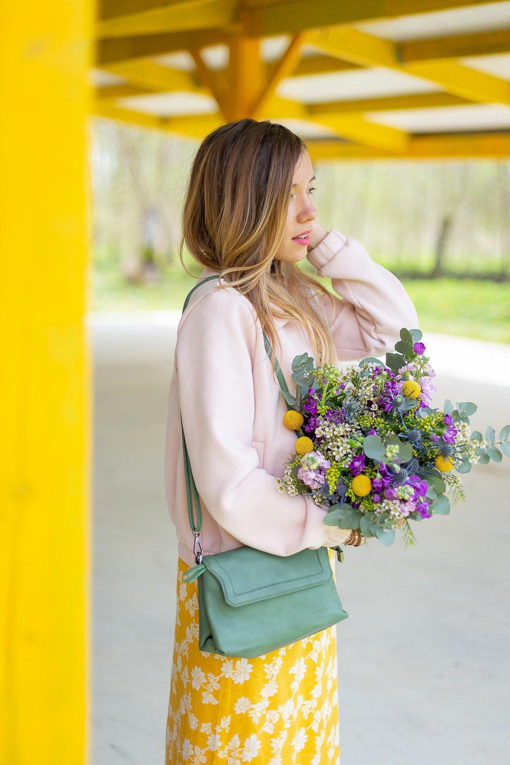 tenue du jour bouquet fleurs