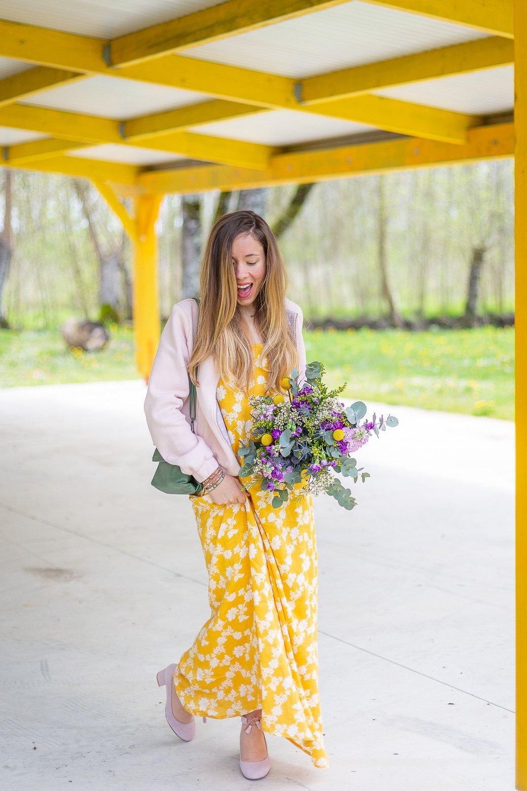 robe longue jaune à fleurs