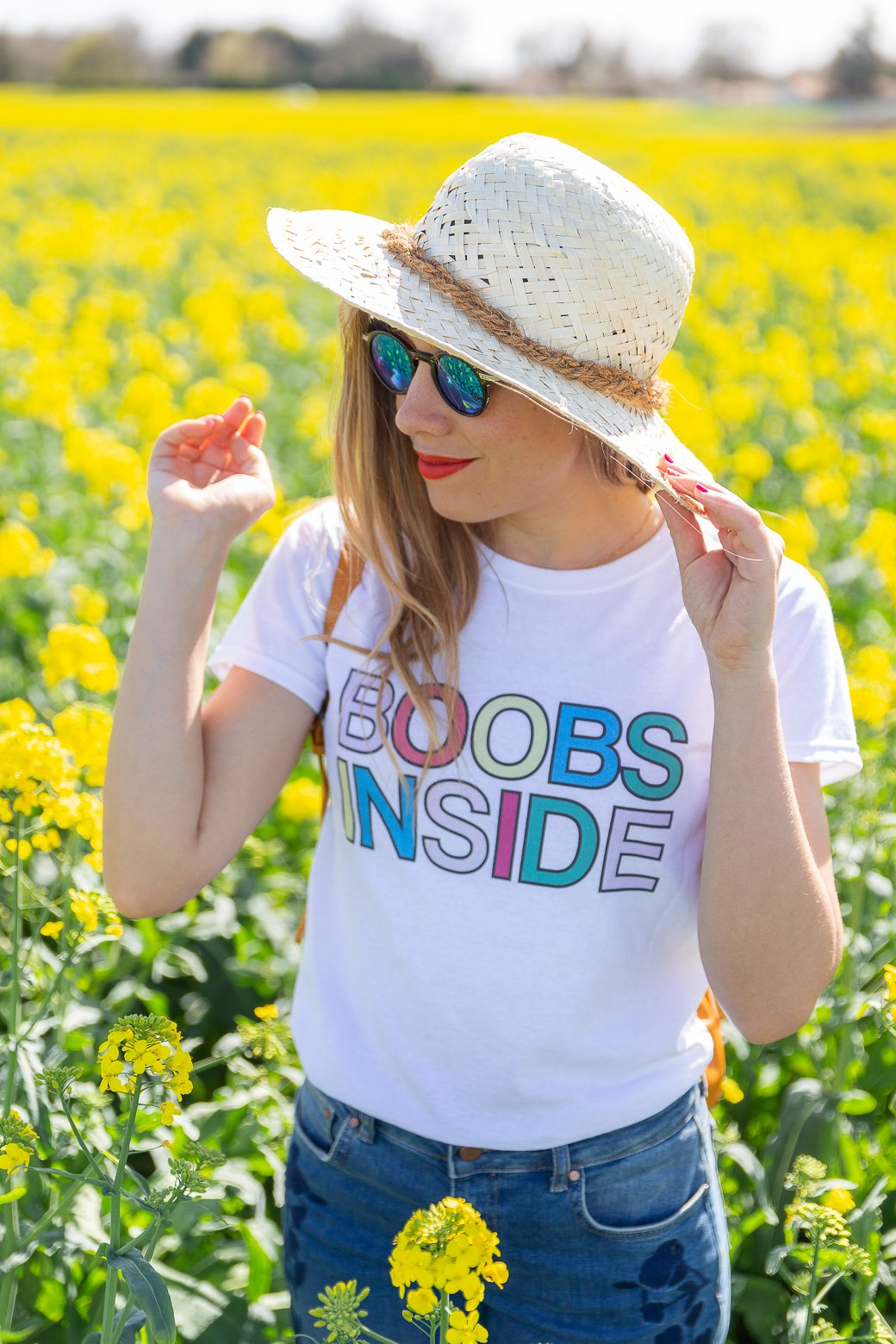 t-shirt Boobs Inside