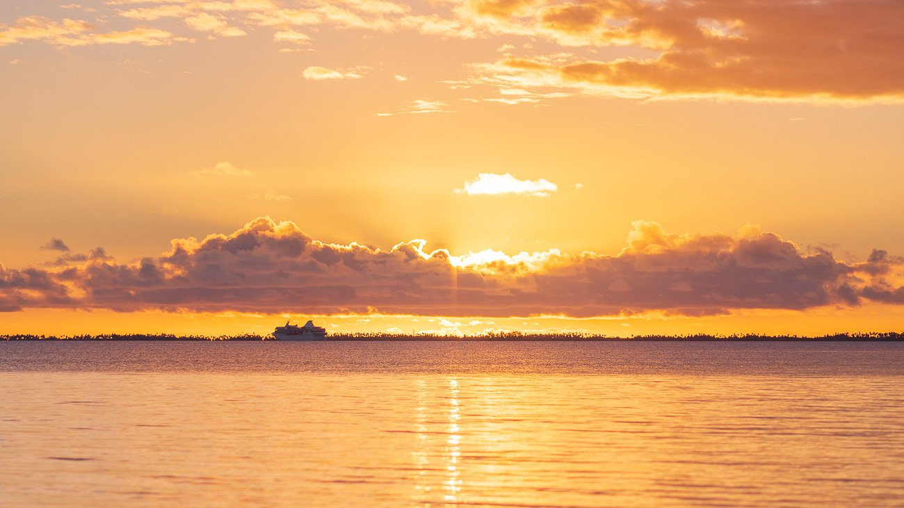 coucher de soleil orange tahiti