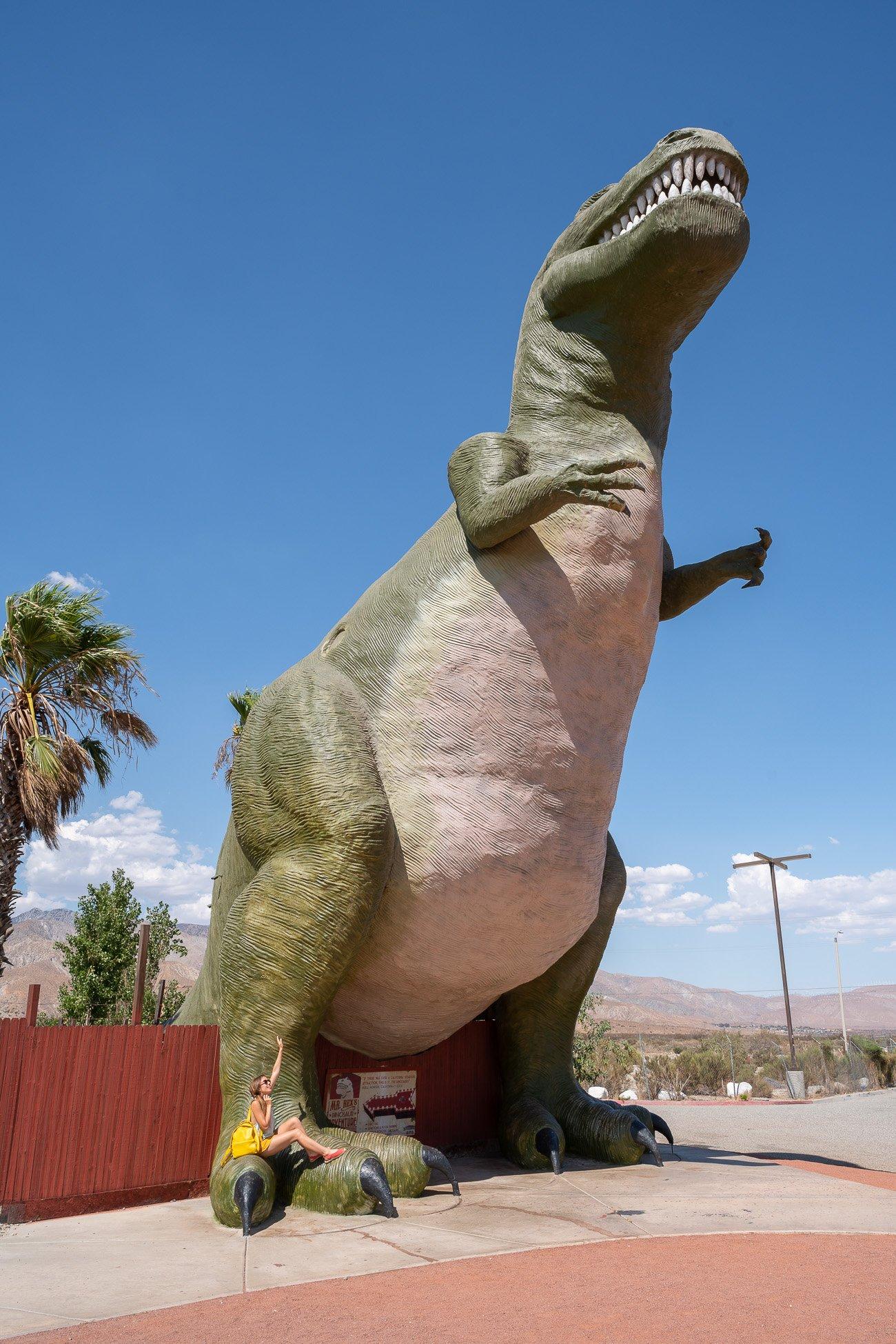Cabazon Dinosaurs géants