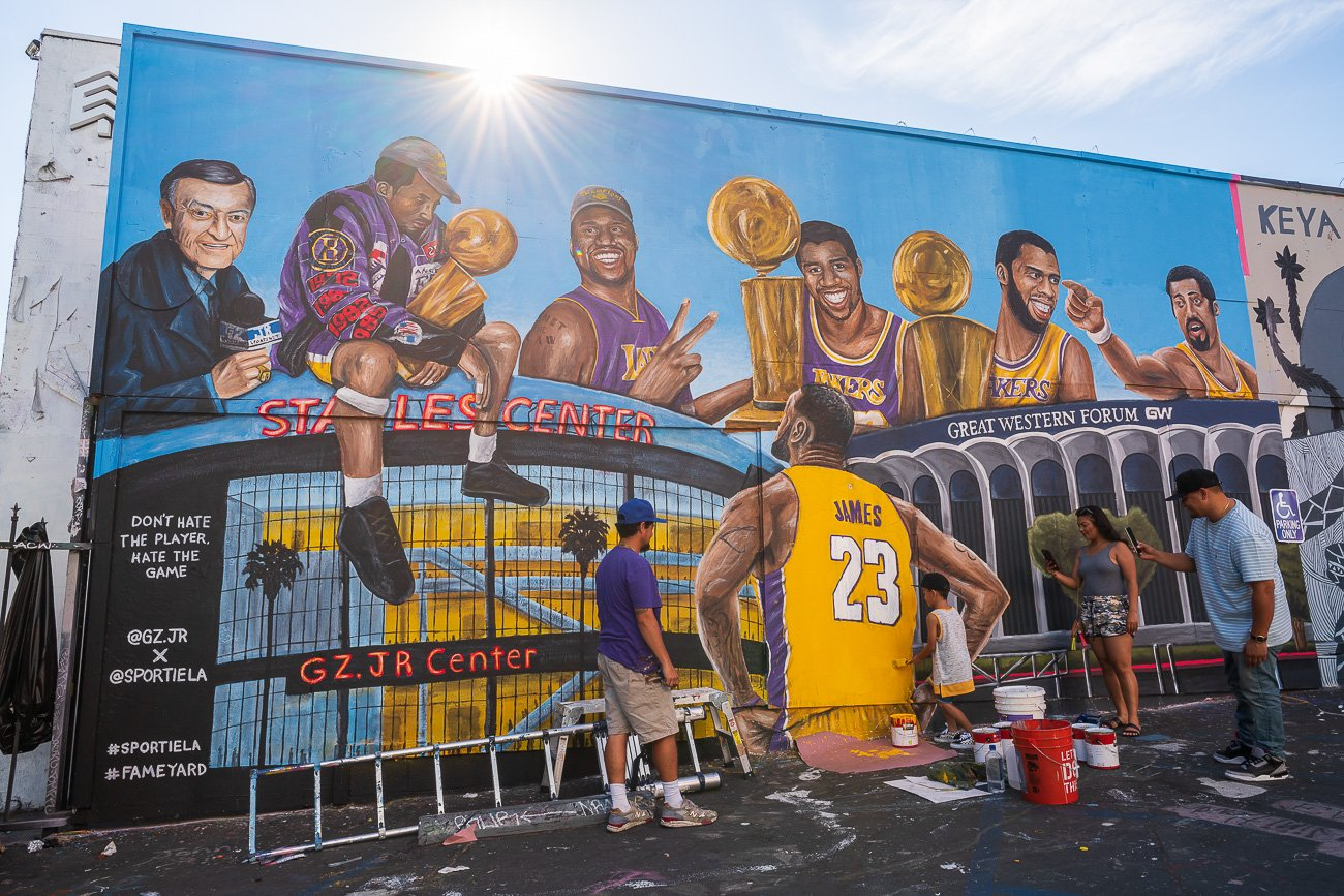 Melrose Avenue tag Lakers