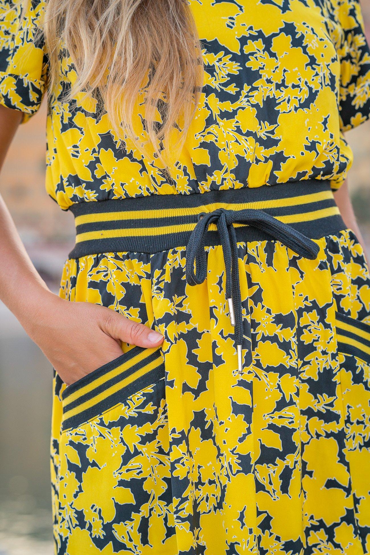 Robe jaune à fleurs ceinture Sporty